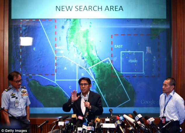2014.03.08 - Znikniêcie z radarów B772 MH370-article_2577185_1c2b22b200000578_233_634x456.jpg